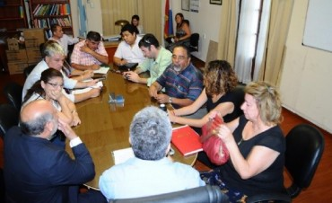 El Ministro de Educación Daniel Gutierrez se reunió con los gremios Docentes