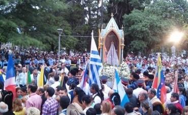 Una multitud de peregrinos iniciaron el camino hacia los 400 años del hallazgo de la Imagen de la Virgen