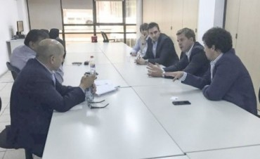 """El """"plan"""" de YPF para garantizar el empleo en Chubut: reducción salarial"""