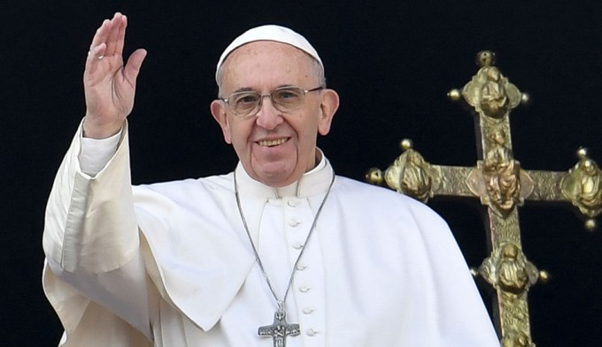 Francisco pidió por la Paz Mundial en su mensaje navideño