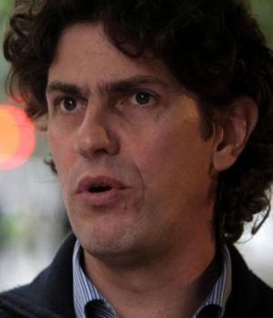 Grupo violento insultó a Martín Lousteau