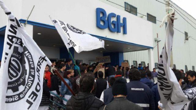 UOM rechaza congelar salarios por 2 años