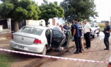 Se escondió en el baúl del auto, sorprendió a su marido con la amante y lo mató