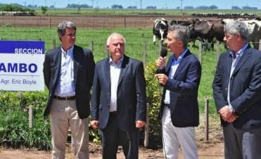 Macri anunció créditos y subsidios para los lecheros