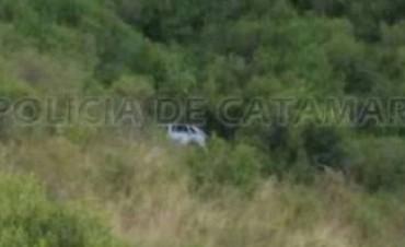 Se desbarrancó un auto en Ambato