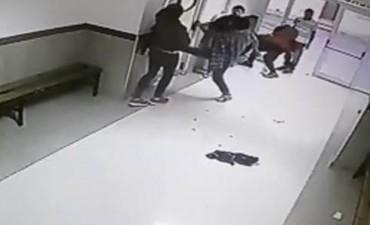 Una guardia violenta: peleas y destrozos entre jóvenes alcoholizados