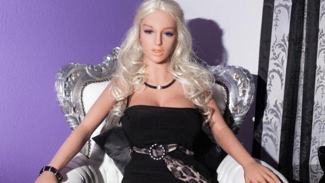 Abren prostíbulo de muñecas inflables en Londres