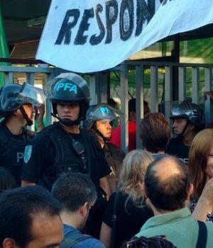 Empleados del INTI, movilizados contra los despidos masivos