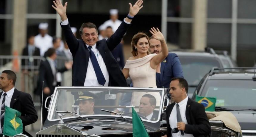 Bolsonaro asumió en Brasil y llamó a liberar al país de la criminalidad