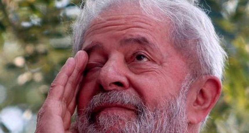 Pese a permiso de juez, Lula decide no salir de prisión tras muerte de su hermano