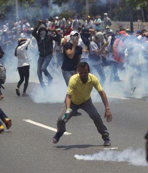 Venezuela se prende fuego: 4 muertos
