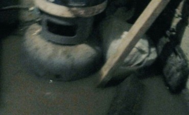 TUCUMÁN: El agua ingresó a las casas y puso a flotar las garrafas en Las Talitas