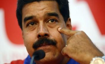 Golpe al bolsillo en Venezuela: Maduro aumentó la nafta un 6.000%