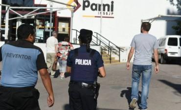 En Mendoza en el Pami una jubilada golpeó a una empleada y cerraron el edificio
