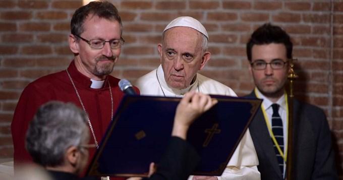 Primera visita de un papa a una iglesia anglicana en Roma