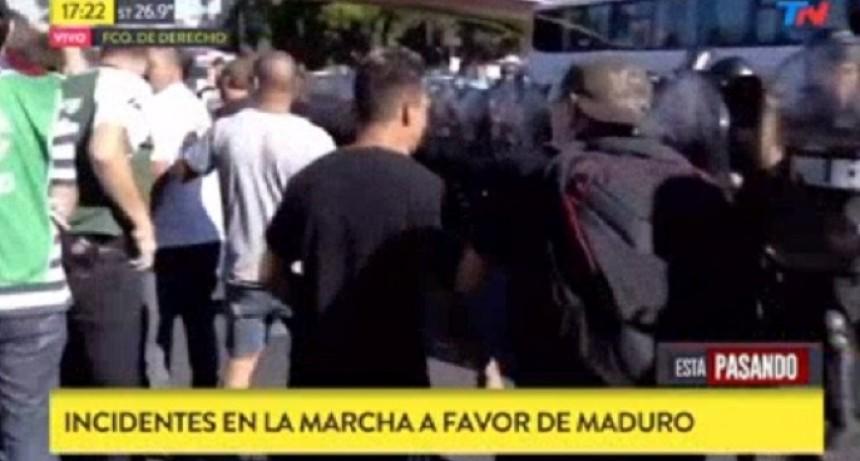 Incidentes en Recoleta por una marcha a favor de Nicolás Maduro