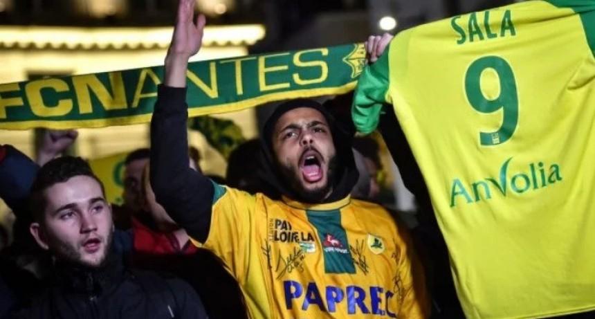 Nantes anunció que retirará la camiseta número 9 para homenajear a Emiliano Sala