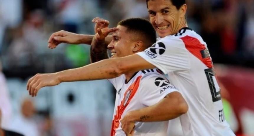 River apabulló a Racing y le ganó 2-0 con un golazo de Quintero y un gol en contra de Donatti