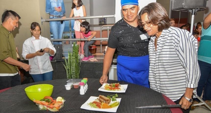 Corpacci se reunió con mujeres de los comedores comunitarios