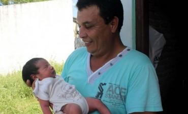 Tuvo a su hija en un remís y llegó con la beba en brazos al hospital de Formosa