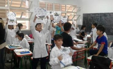 Comienza La entrega de Guardapolvos en las escuelas Provinciales