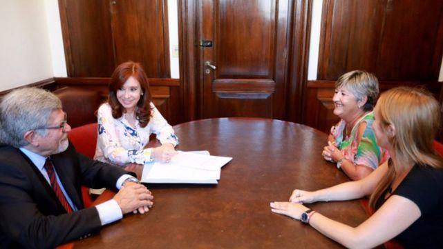 Cristina presentó proyecto para prohibir