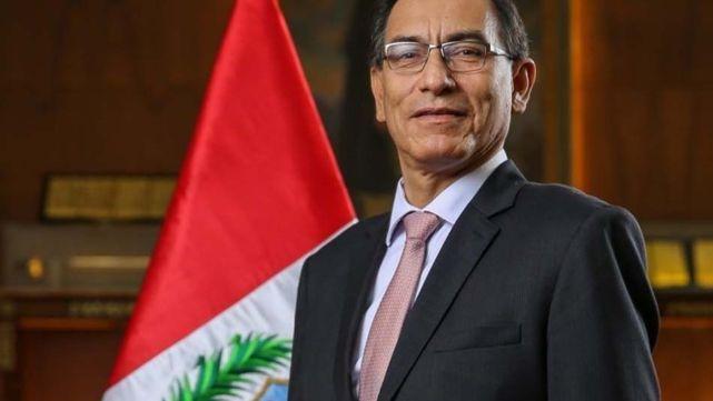 Martín Vizcarra agarró un hierro caliente en Perú