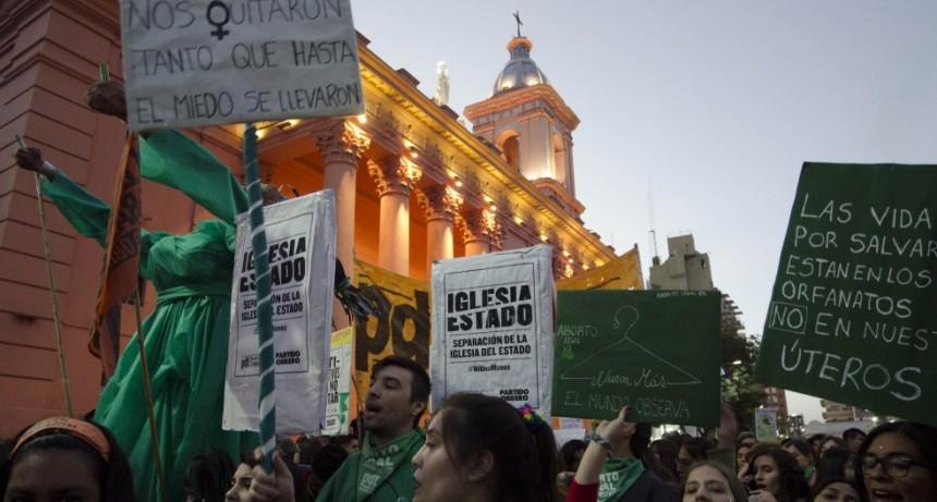 Feministas se preparan para marchar por sus derechos el #8M