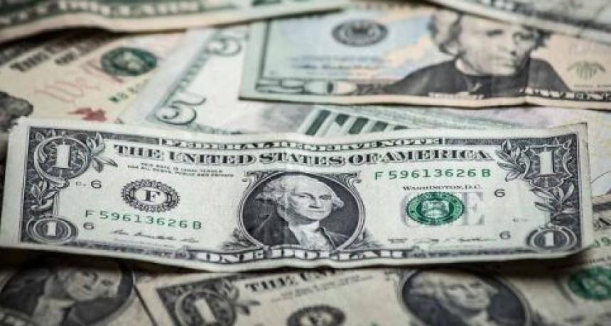 El dólar alcanza el valor más alto en la era Macri