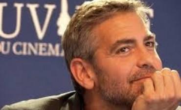 George Clooney no quiere curiosos: multarán a quienes se acerquen a su mansión