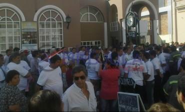 Protesta del SOEM frente al Concejo Deliberante
