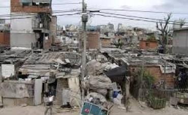 Pobreza, aumentó más de 4% el año pasado, y alcanza al 25% de los argentinos