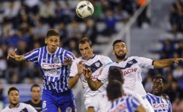 Godoy Cruz revirtió el partido ante Vélez, goleó y es líder