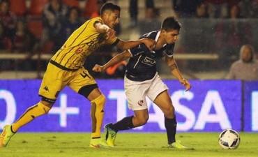 Independiente perdió algo más que dos puntos ante Olimpo en Avellaneda