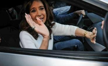 Cristina viaja ya a Buenos Aires y declara el miércoles