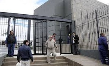 Allanan oficinas del gobierno de Santa Cruz por el mausoleo de Néstor Kirchner
