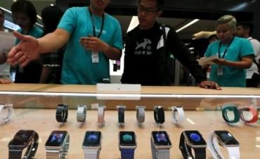 El primer año de vida del Apple Watch deja 6.000 millones de dólares en las arcas de Apple