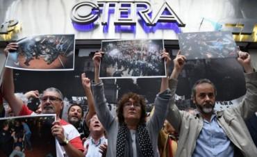 Los docentes paran  en todo el país en repudio a la represión