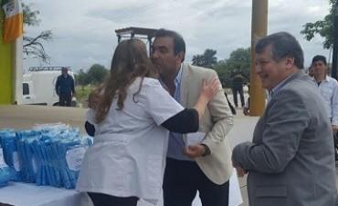 El Ministerio entregó equipamiento y recibió al tren sanitario