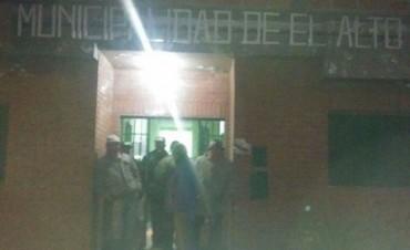 Toman El Edificio De La Municipalidad de El Alto