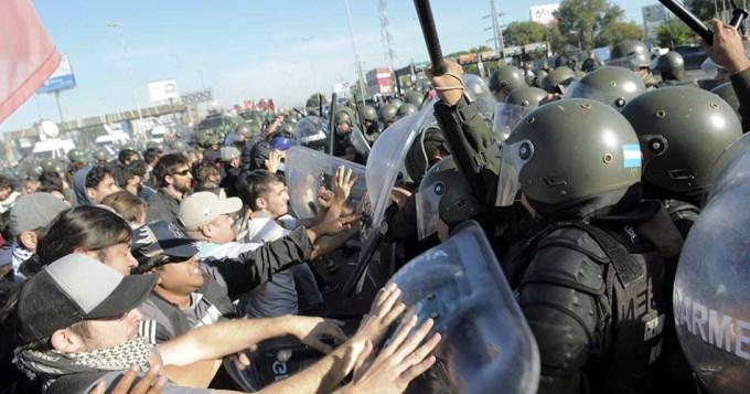 Represión, heridos y detenidos en la Panamericana