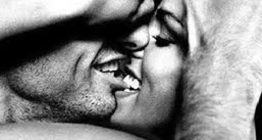 ¿Por qué mordemos al besar?