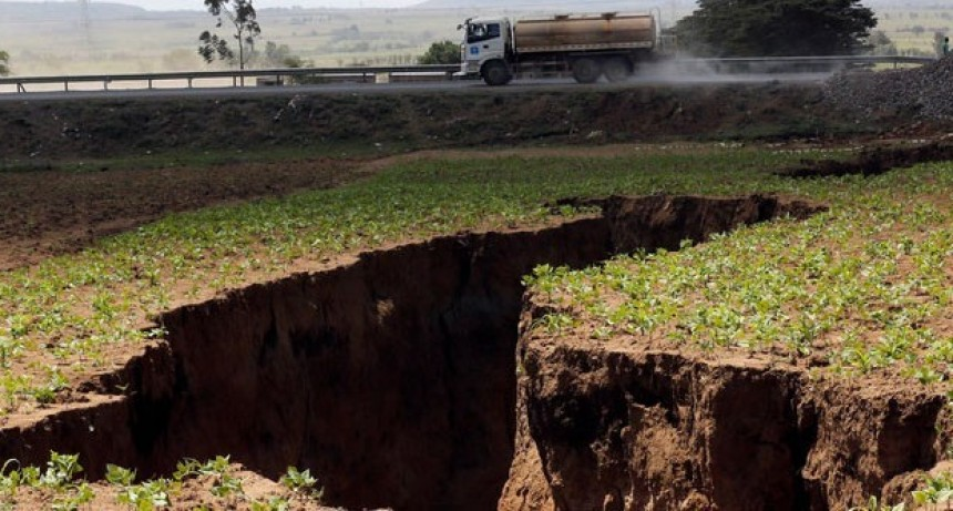 Se abre en Kenia una grieta que está partiendo África en dos