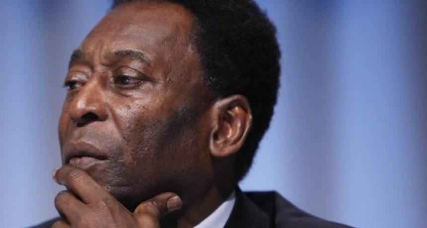 Internaron de urgencia a Pelé tras participar de un evento en París