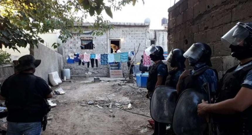 Secuestran drogas en dos domicilios de la zona sur de Capital