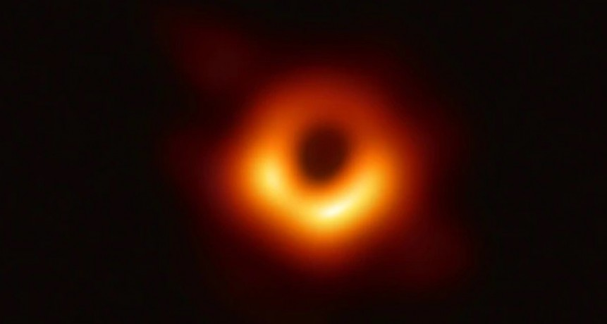 Científicos presentaron la primera imagen de un agujero negro: