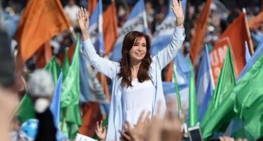 El kirchnerismo abandona a las provincias y ata su futuro a la elección presidencial (si es que Cristina finalmente se presenta)