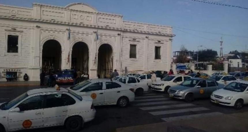 Solución a las paradas de taxis en el centro