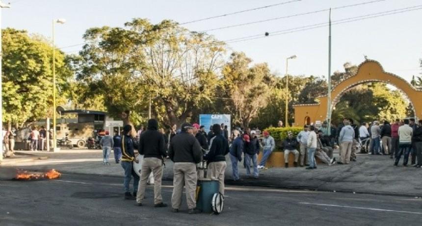 Trabajadores de la Secretaría de la Vivienda protestaron en el CAPE