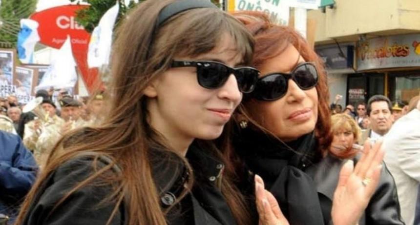 Pese a la muerte de su madre, Cristina viajó a Cuba para visitar a su hija